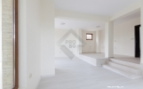 Дом в Маринке продажа -холл