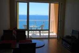Апартамент на первой линии моря на продажу